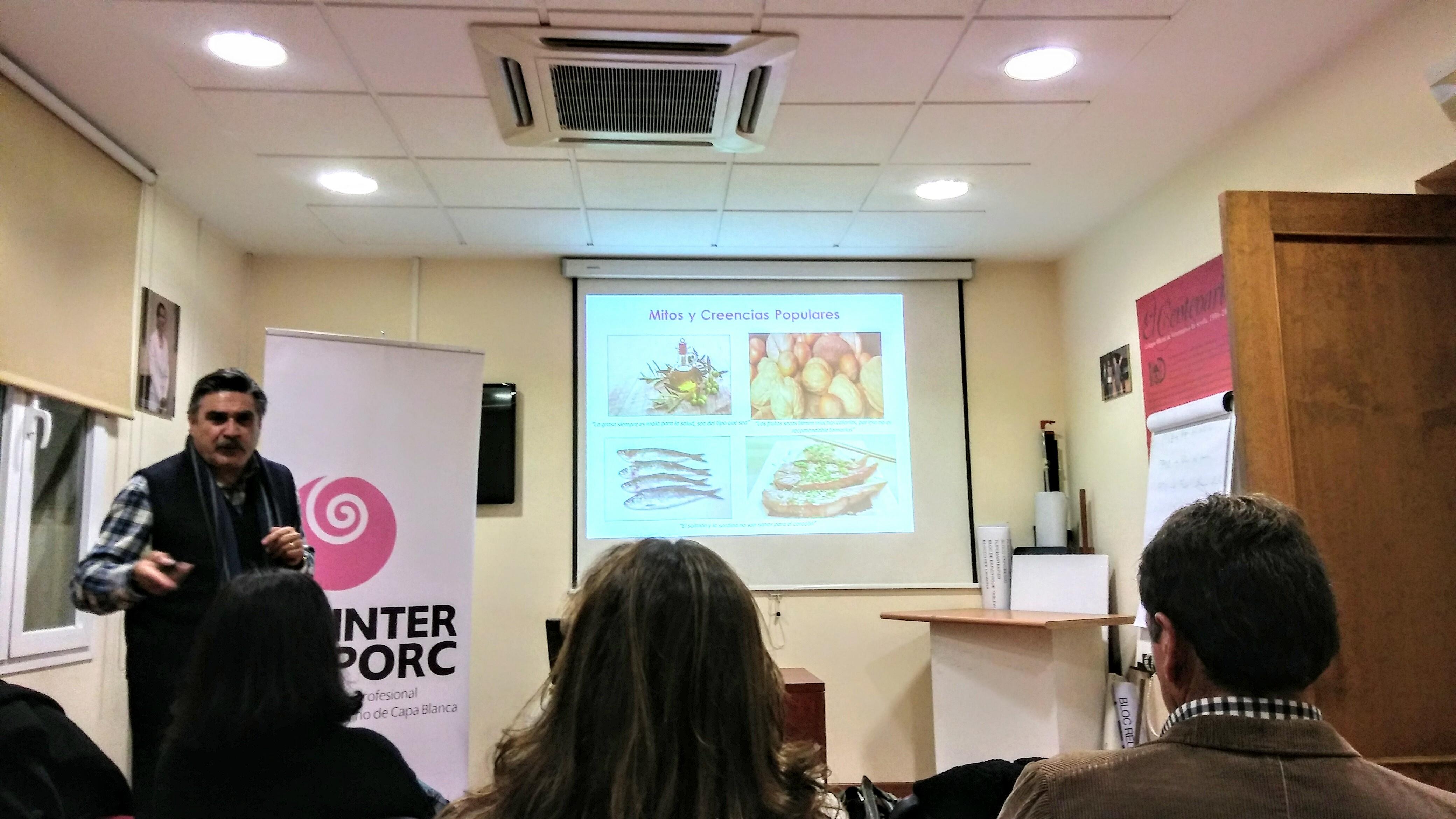 Conferencia del Dr. Llisterri en el Colegio de Veterinarios de Sevilla