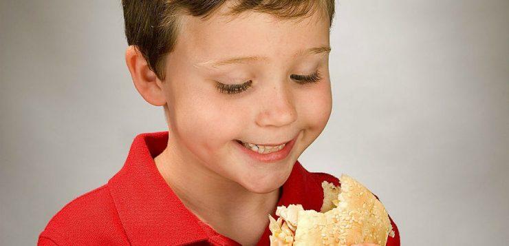 Hábitos saludables y consejos para la alimentación de los niños