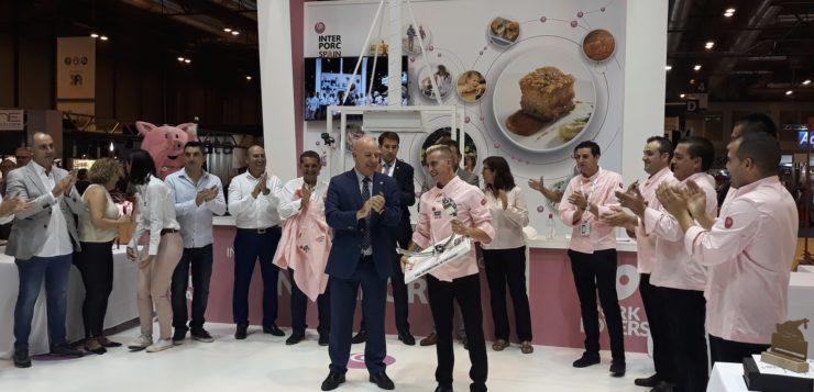 El gaditano Juan Carlos Garrido, mejor cortador de jamón de capa blanca del mundo
