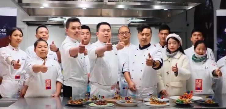 30 chefs de China elaboran sus mejores recetas con carne de cerdo de capa blanca española