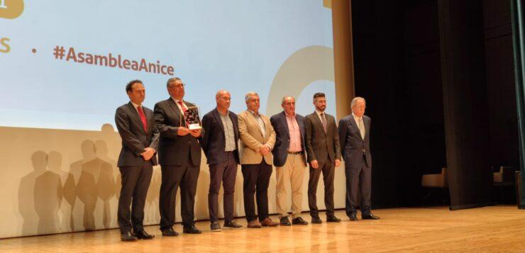 """INTERPORC: """"El premio ANICE al sello 'Compromiso Bienestar' reconoce el trabajo de los ganaderos en el cuidado de sus animales"""""""